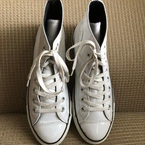 Converse All Stars Patent Leather Unisex Sneakers.